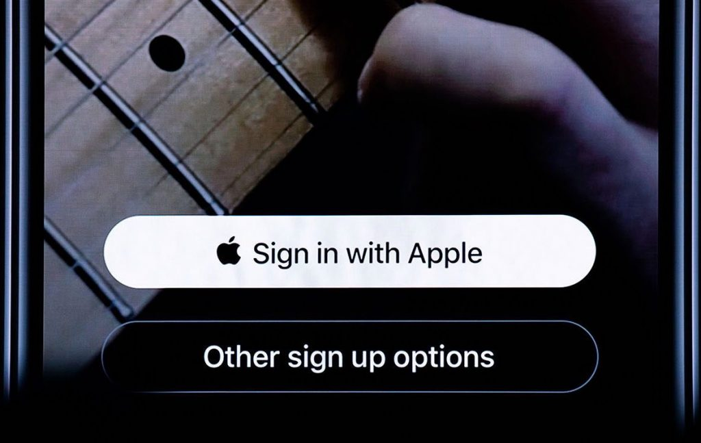 Apple Sign In